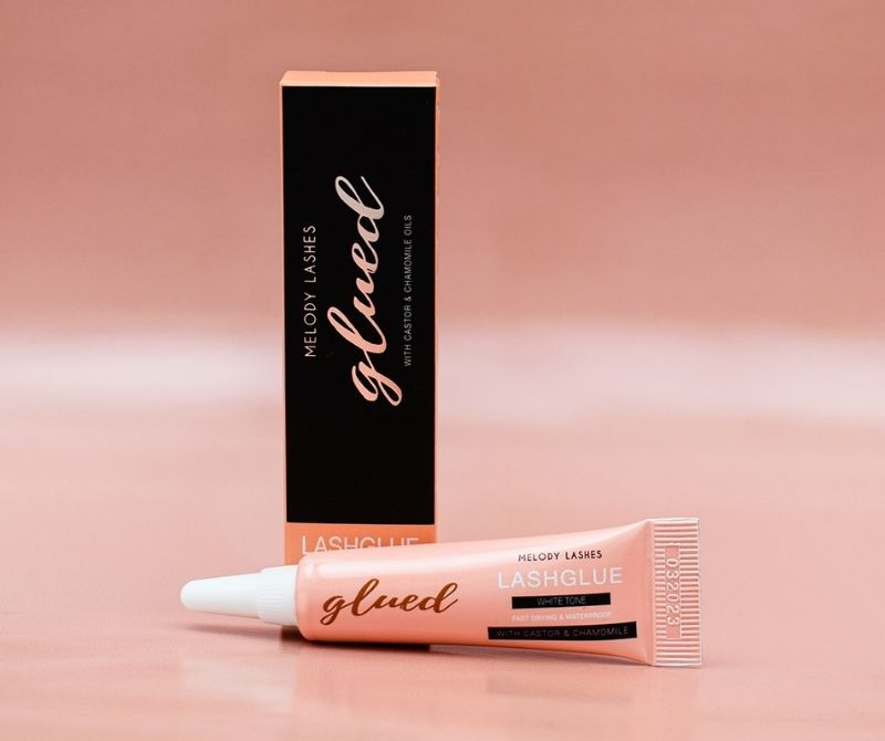 gluded-lashes-banner